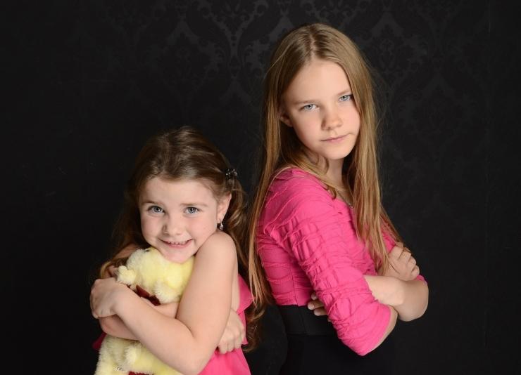 Ilustrasi sibling rivalry. Sumber: pxhere.com
