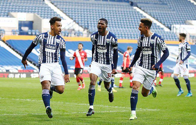 Pemain West Bromwich Albion merayakan gol ke gawang Southampton. (via cyprus-mail.com)