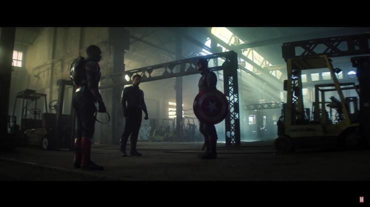 piSam, Bucky dan John Walker berebut tameng Captain America. Sumber: Marvel Entertainment