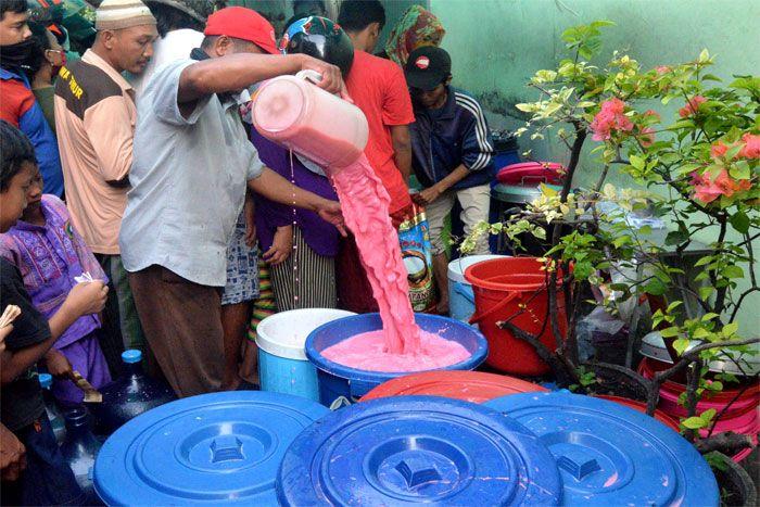 Penjual es permen karet Ampel. Sumber : Suara Surabaya