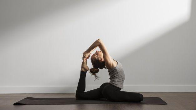 Olahraga Yoga. (foto: freepik.com)