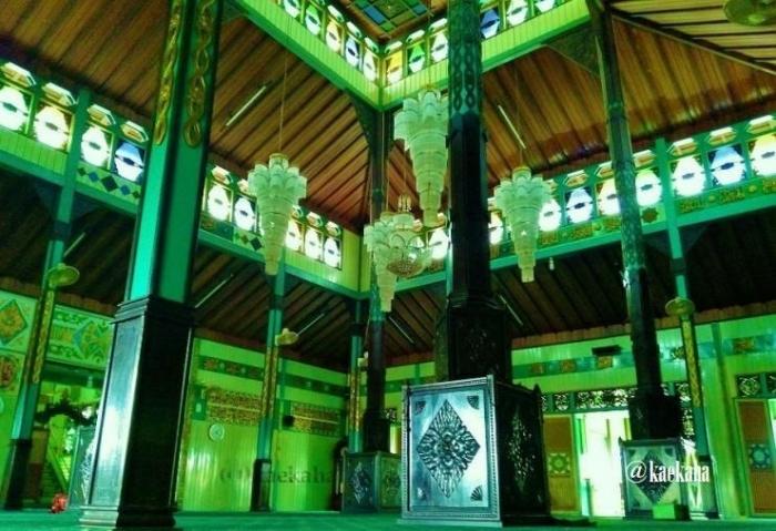 Interior Masjid Sultan Suriansyah   @kaekaha