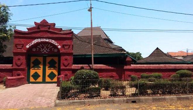 Masjid Agung Cipta Rasa Kompleks Keraton Kasepuhan Cirebon. Sumber gambar: daruttahuid