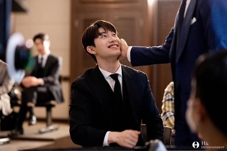 Kebohongan Kwak Dong Yeon Terkait Ending Vincenzo Episode 20 (Instagram resmi agensi Kwak Dong Yeon @h_and_ent)