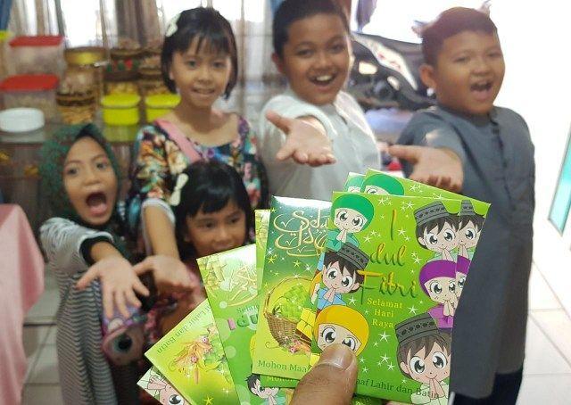 Angpau Lebaran (foto dari kumparan.com)