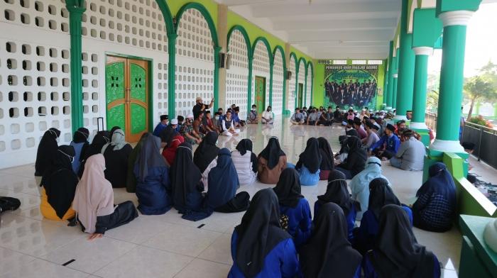 Arahan Panitia kepada para remaja masjid sebelum kegiatan di mulai./Dokpri