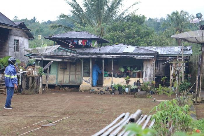 Penyaluran donasi. Foto diambil dari facebook MDMC Rejang Lebong.