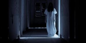 Suara Ketukan Pintu di Tengah Malam