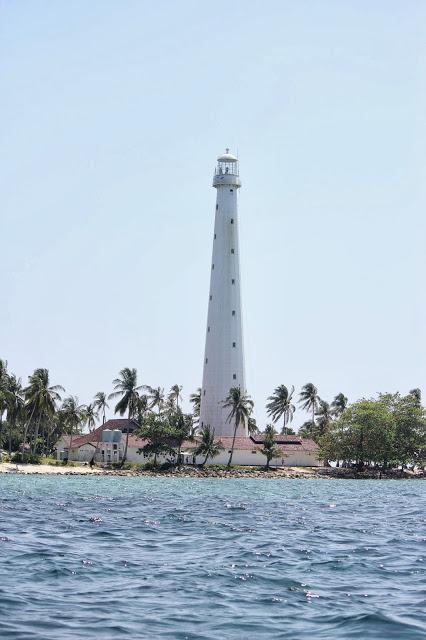 Mercusuar - Pulau Lengkuas