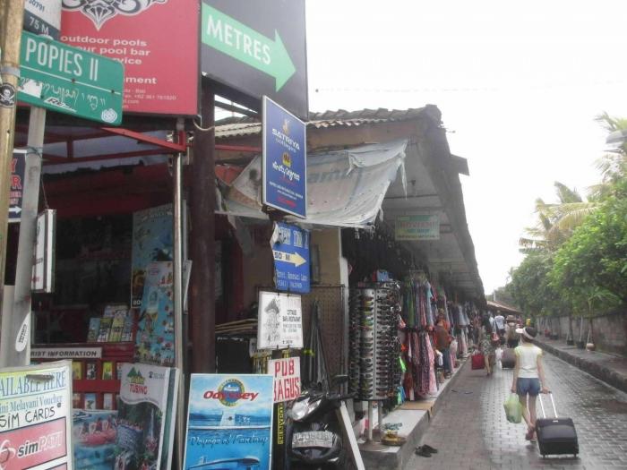 Backpacking Ke Bali Hari 1 Penginapan Poppies Lanes Dan Senja