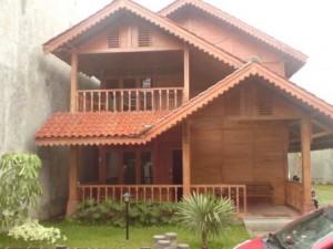 desain rumah sederhana: konsep 'bangunan tahan gempa' oleh