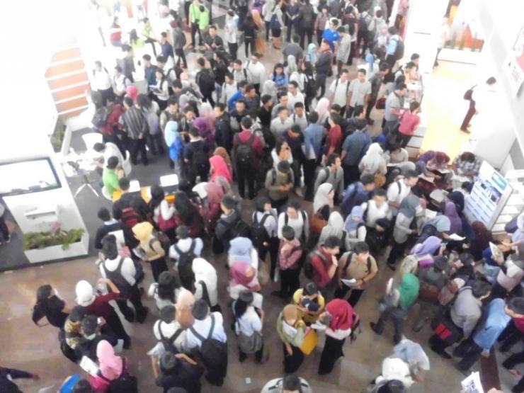 Suasana Bursa Karir ITS