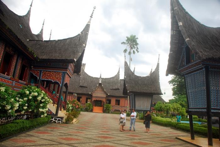 Taman Mini Indonesia Indah Jakarta Oleh Heldi Mohammad Kompasiana Com