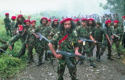 Para pemberontak FRETILIN (Sumber gambar : military18.blogspot.com)