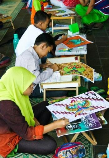 Warna Warni Batik Dalam Imajinasi Anak Indonesia Halaman All